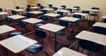 Servidores estaduais da educação não voltam às aulas e esperam receber salários